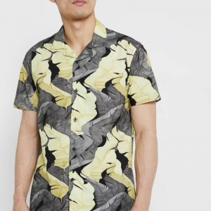 chemise-courte-minimum-noir-blanc-fleuri-homme-1