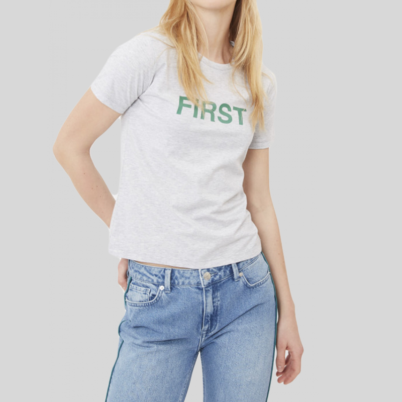 top-teeshirt-minimum-gris-écriture-femme-1